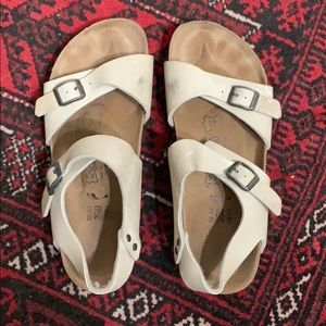 Birki's Neutral White Sandals with Backstrap 39